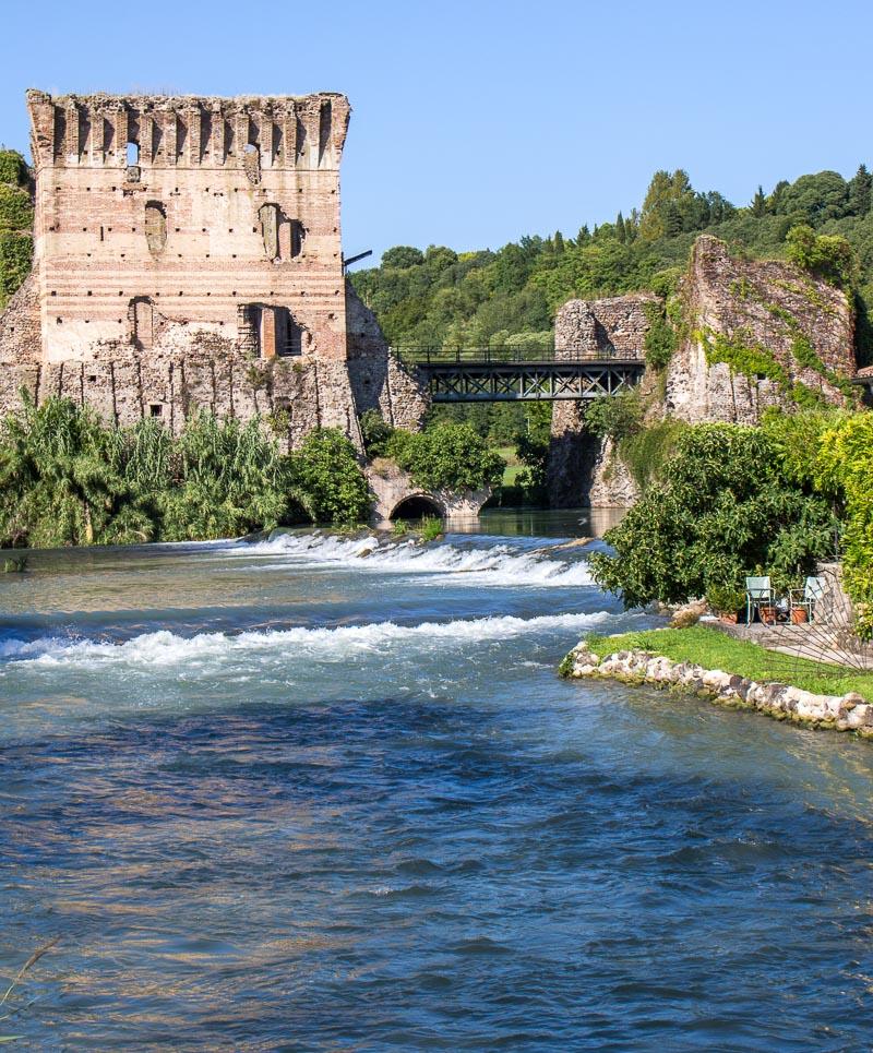 Brücke in Borghetto am Gardasee